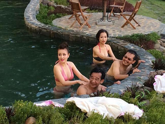 Sốc với cảnh nóng phản cảm trong phim hài Tết của Quang Tèo, Chiến Thắng - Ảnh 7.