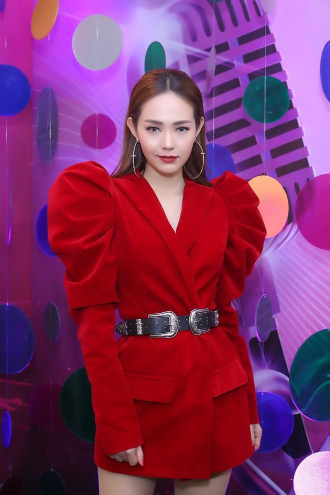 Đây là những gam màu được các người đẹp Việt ưu ái mở màn cho xu hướng sắc màu năm 2018 - Ảnh 11.