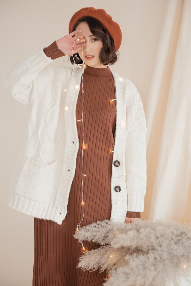 Tết này dự báo trời lạnh, và đây là những mẫu váy len vừa đẹp vừa ấm dành cho các nàng - Ảnh 9.