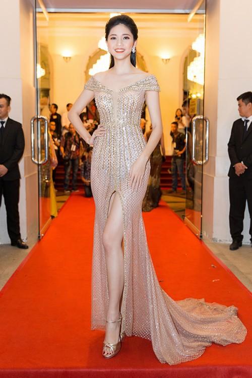 Gu thời trang 'đã mắt' của nàng Á hậu tuổi Tuất - Thanh Tú, người được đồn đoán sẽ tham gia Miss World 2018 - Ảnh 1.