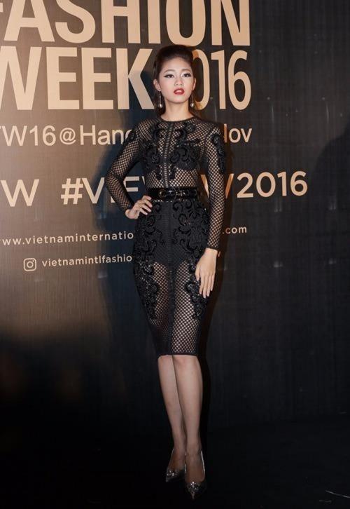 Gu thời trang 'đã mắt' của nàng Á hậu tuổi Tuất - Thanh Tú, người được đồn đoán sẽ tham gia Miss World 2018 - Ảnh 11.