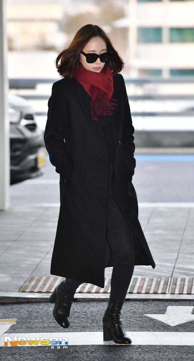 Nhìn Hà Tăng, Jolie Nguyễn... diện street style sắc đỏ mà chợt nhận ra: Tết đã về gần lắm rồi đây! - Ảnh 14.