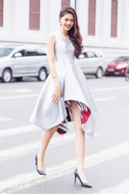 Gu thời trang 'đã mắt' của nàng Á hậu tuổi Tuất - Thanh Tú, người được đồn đoán sẽ tham gia Miss World 2018 - Ảnh 16.