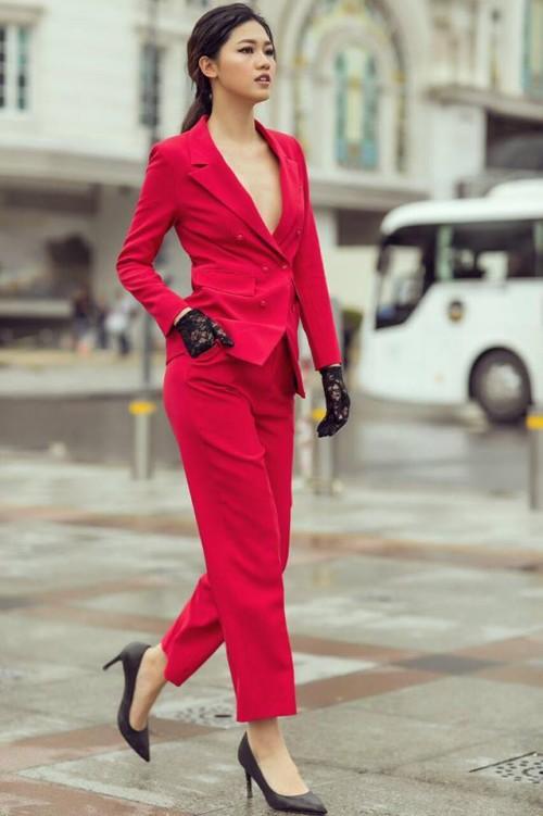 Gu thời trang 'đã mắt' của nàng Á hậu tuổi Tuất - Thanh Tú, người được đồn đoán sẽ tham gia Miss World 2018 - Ảnh 18.
