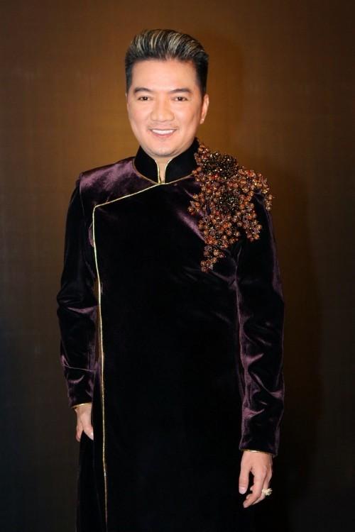 Tết này muốn nổi bần bật, hãy tậu ngay một chiếc áo dài đen như dàn sao Việt đình đám - Ảnh 19.