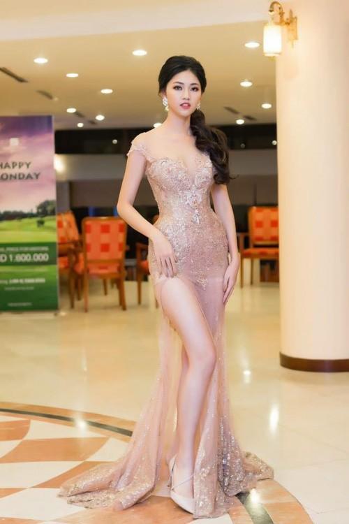 Gu thời trang 'đã mắt' của nàng Á hậu tuổi Tuất - Thanh Tú, người được đồn đoán sẽ tham gia Miss World 2018 - Ảnh 3.