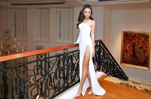 Chăm chỉ khoe chân dài như vậy, đây đích thị là 3 'Nữ hoàng đầm xẻ đùi' gợi cảm nhất Vbiz - Ảnh 4.