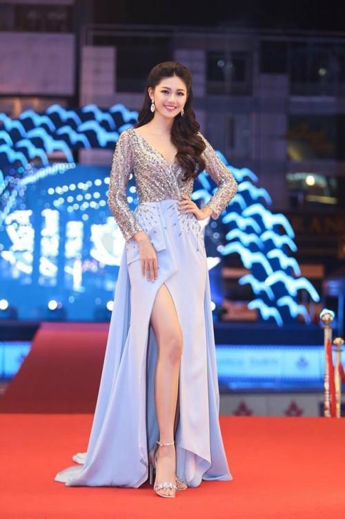 Gu thời trang 'đã mắt' của nàng Á hậu tuổi Tuất - Thanh Tú, người được đồn đoán sẽ tham gia Miss World 2018 - Ảnh 4.