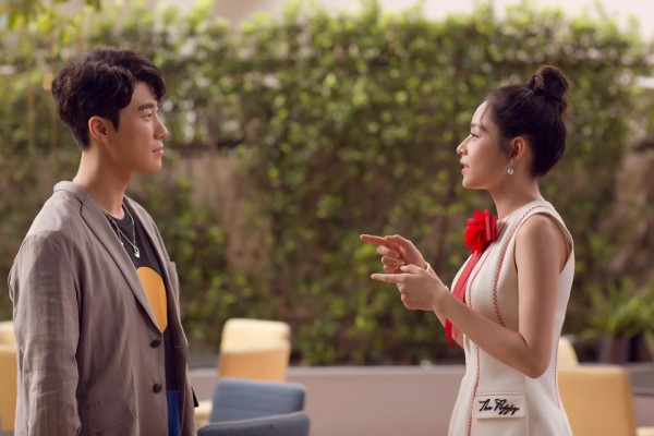 Chi Pu quả lợi hại! 'Chặt đẹp' cả Angela Phương Trinh và Tú Hảo khi diện lại thiết kế cũ - Ảnh 5.