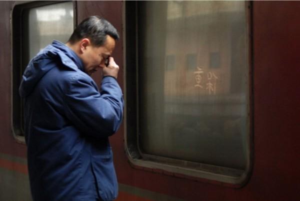 Đường về nhà ăn Tết sao khó khăn, mồ hôi chan nước mắt tới vậy - Ảnh 7.