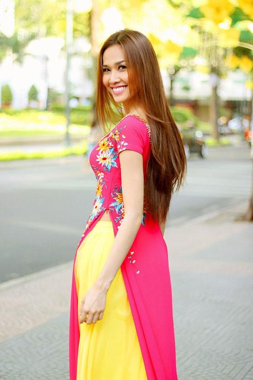 Bật mí cho 'nàng điệu' 5 kiểu áo dài 'thần thánh' vừa đẹp lại vừa thoải mái diện Tết - Ảnh 7.