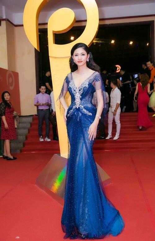 Gu thời trang 'đã mắt' của nàng Á hậu tuổi Tuất - Thanh Tú, người được đồn đoán sẽ tham gia Miss World 2018 - Ảnh 7.
