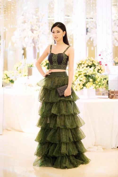 Gu thời trang 'đã mắt' của nàng Á hậu tuổi Tuất - Thanh Tú, người được đồn đoán sẽ tham gia Miss World 2018 - Ảnh 9.