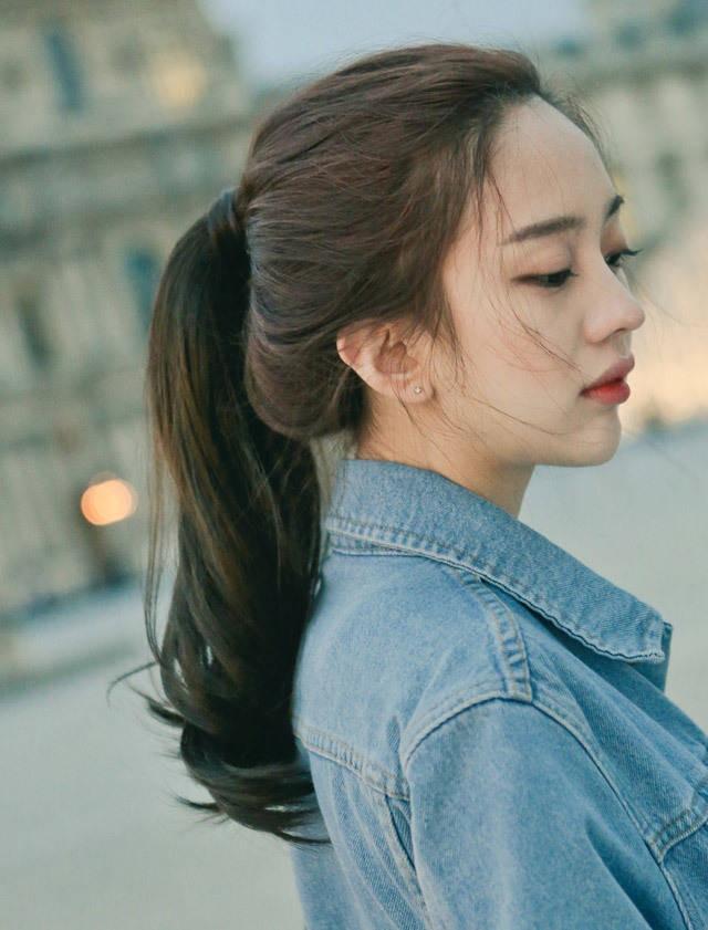 Tự tin giấu tóc bết dầu nhờ những kiểu tóc siêu đẹp và đơn giản trong dịp Tết - Ảnh 8.