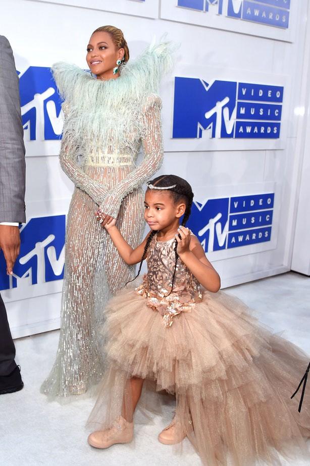 Mới 6 tuổi, con gái Beyoncé đã sở hữu kho đồ hiệu đắt giá khiến nhiều người ghen tị - Ảnh 6.