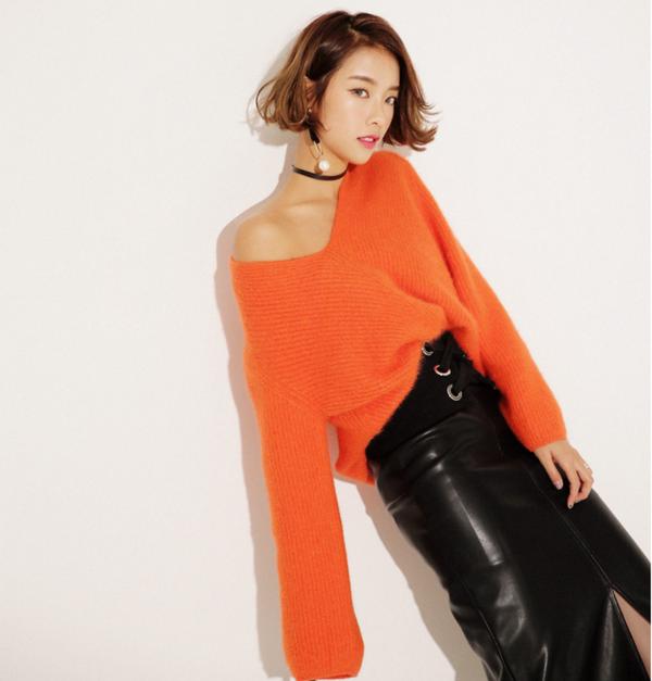 Tết này, nàng điệu đà sẽ thích mê với những biến tấu xinh xắn của chiếc áo len đơn giản - Ảnh 3.
