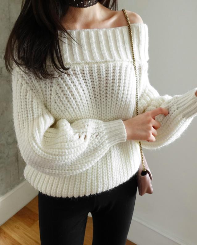 Tết này, nàng điệu đà sẽ thích mê với những biến tấu xinh xắn của chiếc áo len đơn giản - Ảnh 2.
