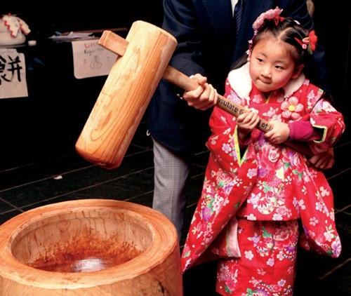 Học cách mẹ Nhật dạy con về ngày Tết truyền thống - Ảnh 3.