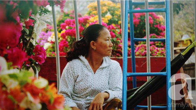 Cận Tết, ghé bến Bình Đông coi chợ nổi, tìm lại Sài Gòn xưa trong cảnh giao thương trên bến dưới thuyền - Ảnh 12.