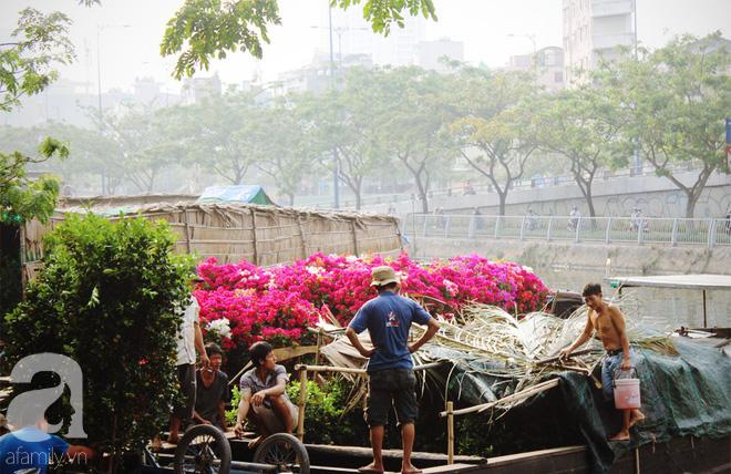 Cận Tết, ghé bến Bình Đông coi chợ nổi, tìm lại Sài Gòn xưa trong cảnh giao thương trên bến dưới thuyền - Ảnh 18.