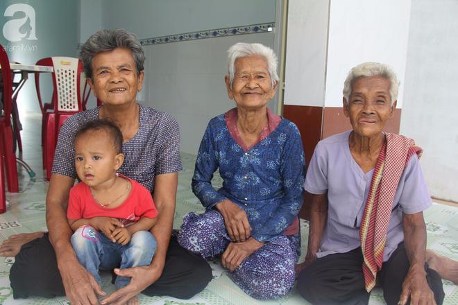 Không còn cảnh xin từng bữa cơm nuôi 4 người con tâm thần, người mẹ già 86 tuổi đã có một cuộc sống mới - Ảnh 8.