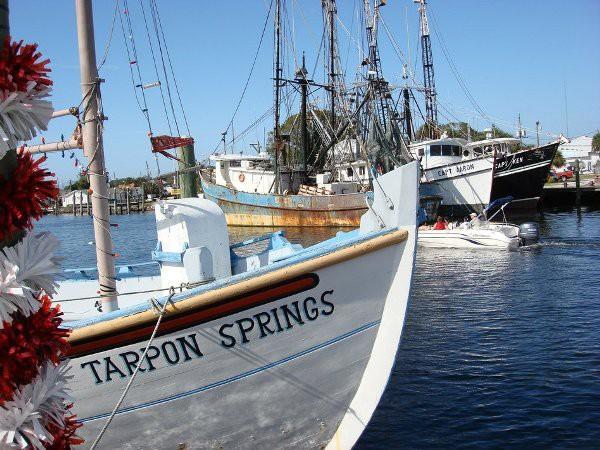 Bán hết tài sản mua thuyền sống trên biển, cặp đôi không thể ngờ điều tồi tệ đã xảy ra - Ảnh 6.