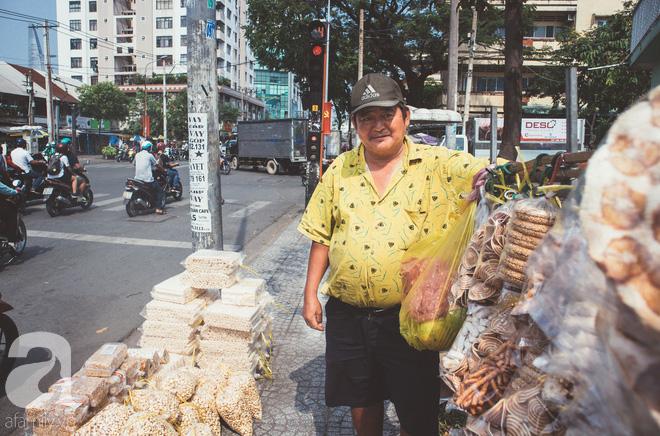 Chú Ba Sài Gòn với nụ cười giòn tan: Cả năm mưu sinh đất khách, Tết đủ tiền về quê sum họp là vui rồi! - Ảnh 3.