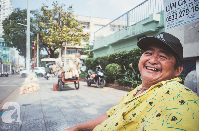 Chú Ba Sài Gòn với nụ cười giòn tan: Cả năm mưu sinh đất khách, Tết đủ tiền về quê sum họp là vui rồi! - Ảnh 2.
