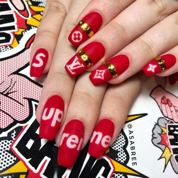 22 mẫu nail đỏ 'vừa đẹp vừa sang' cho nàng tỏa sáng trong dịp Tết Mậu Tuất 2018 - Ảnh 1.