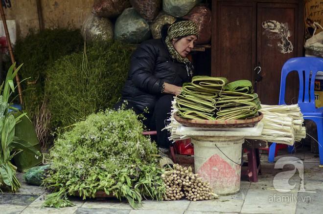 Những ngày cuối năm, đi chợ Tết để mua về niềm vui, gợi về kí ức thời ông bà anh - Ảnh 10.