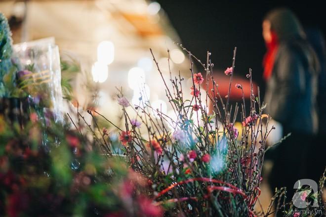 Những ngày cuối năm, đi chợ Tết để mua về niềm vui, gợi về kí ức thời ông bà anh - Ảnh 21.