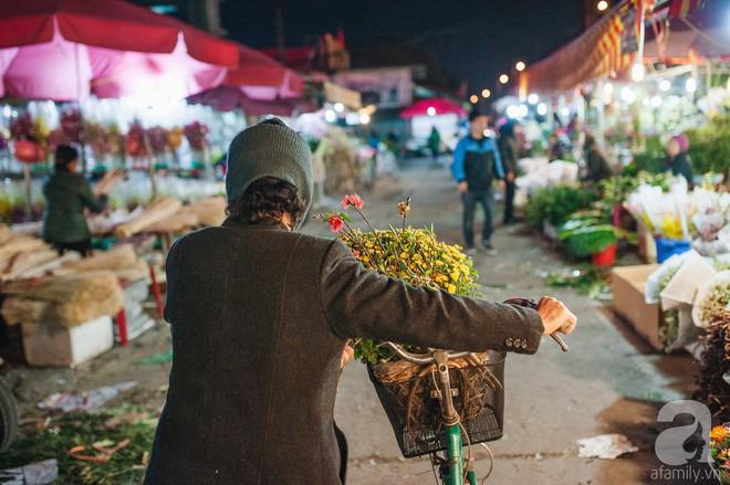 Những ngày cuối năm, đi chợ Tết để mua về niềm vui, gợi về kí ức thời ông bà anh - Ảnh 19.