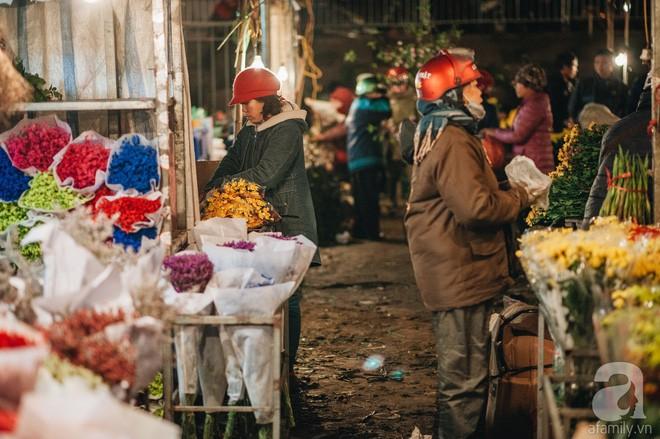 Những ngày cuối năm, đi chợ Tết để mua về niềm vui, gợi về kí ức thời ông bà anh - Ảnh 26.