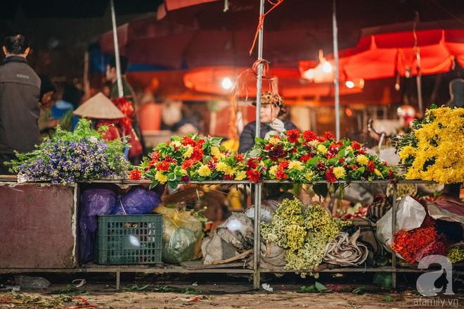 Những ngày cuối năm, đi chợ Tết để mua về niềm vui, gợi về kí ức thời ông bà anh - Ảnh 22.