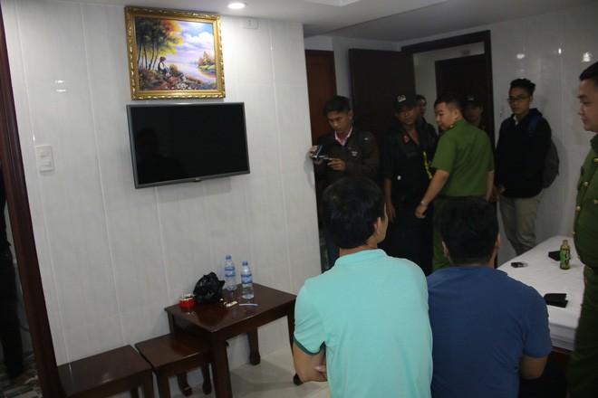 Nhiều nam nữ thuê khách sạn nghi phê ma túy ở Sài Gòn trong ngày 28 Tết nguyên Đán - Ảnh 1.