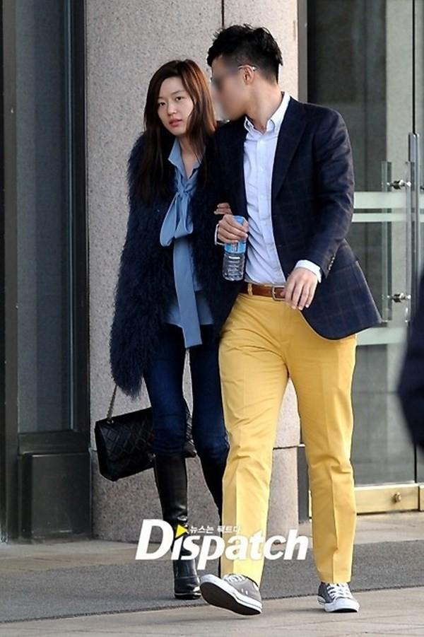 Ngày Valentine của mỹ nhân xứ Hàn cùng tuổi: Người chờ quà của chồng con, kẻ vẫn độc thân lẻ bóng - Ảnh 2.