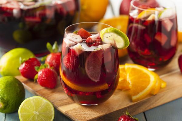 Rước họa khi uống rượu ngâm hoa quả với nước ngọt, cafe ngày Tết  - Ảnh 1.