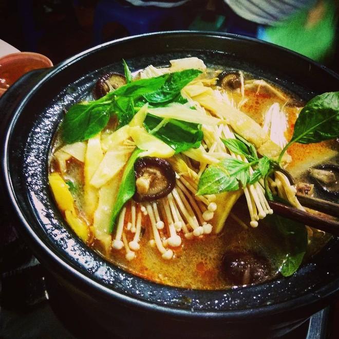 6 quán vịt ngon, giá chỉ khoảng 100 ngàn/ người để ăn giải đen cuối năm ở Hà Nội - Ảnh 23.