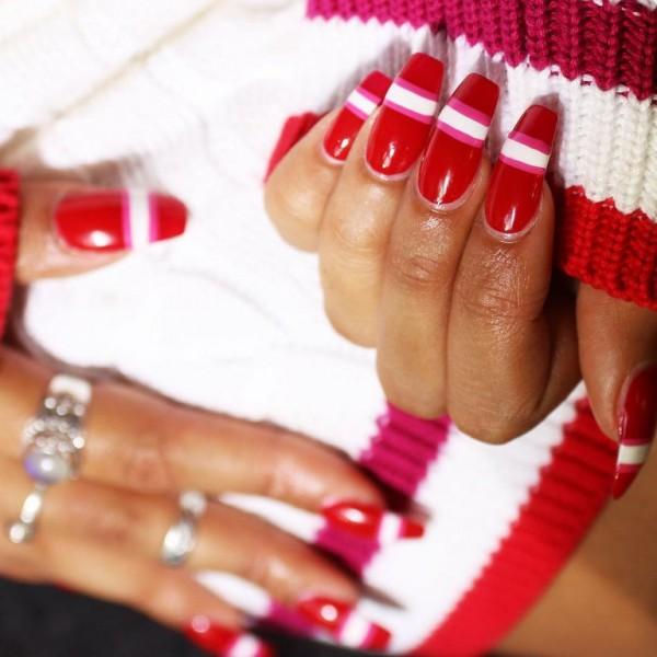 22 mẫu nail đỏ 'vừa đẹp vừa sang' cho nàng tỏa sáng trong dịp Tết Mậu Tuất 2018 - Ảnh 11.