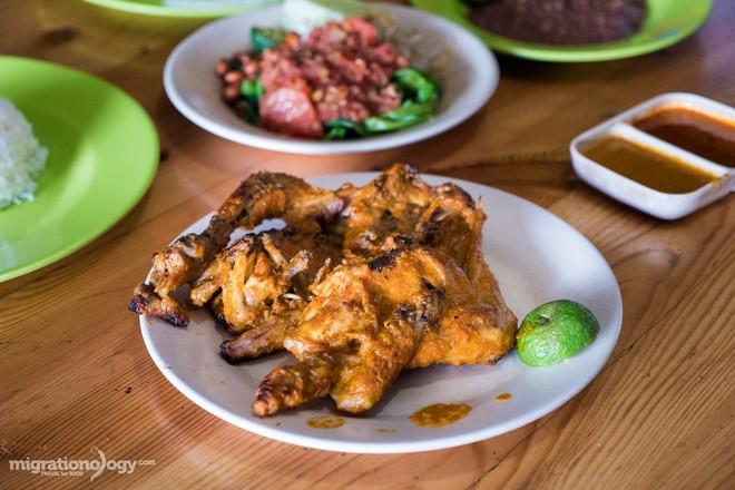Món gà cay Ayam Taliwang ở Indonesia vừa nhìn thôi là dạ dày đã phải lên tiếng - Ảnh 12.