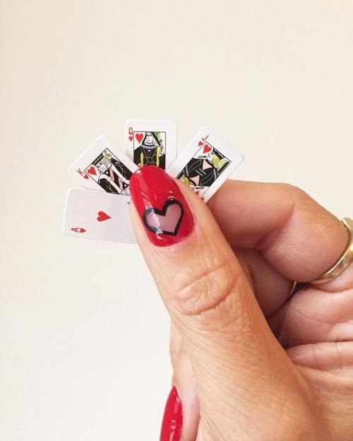 22 mẫu nail đỏ 'vừa đẹp vừa sang' cho nàng tỏa sáng trong dịp Tết Mậu Tuất 2018 - Ảnh 19.