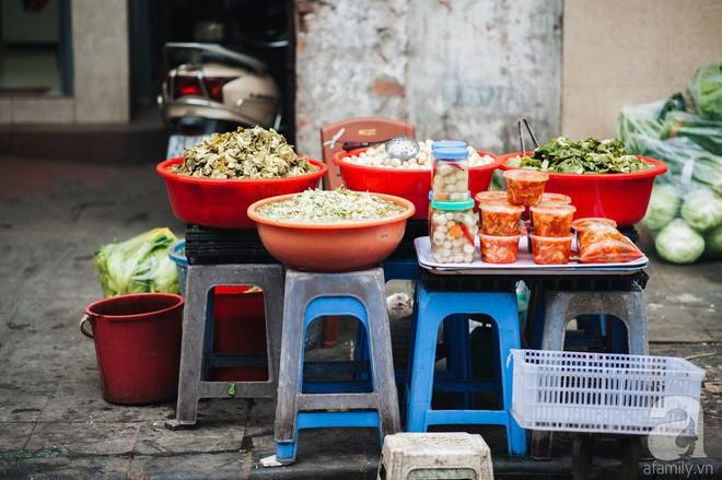 Những ngày cuối năm, đi chợ Tết để mua về niềm vui, gợi về kí ức thời ông bà anh - Ảnh 5.