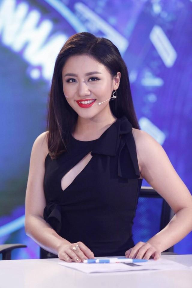 Văn Mai Hương - nữ ca sĩ tuổi Tuất đằm thắm hơn sau 2 cuộc tình đổ vỡ - Ảnh 4.