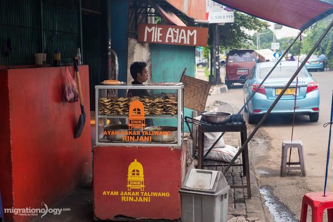 Món gà cay Ayam Taliwang ở Indonesia vừa nhìn thôi là dạ dày đã phải lên tiếng - Ảnh 5.