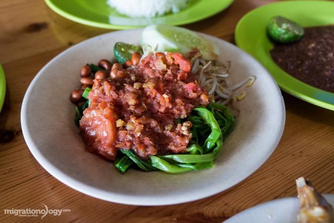 Món gà cay Ayam Taliwang ở Indonesia vừa nhìn thôi là dạ dày đã phải lên tiếng - Ảnh 9.