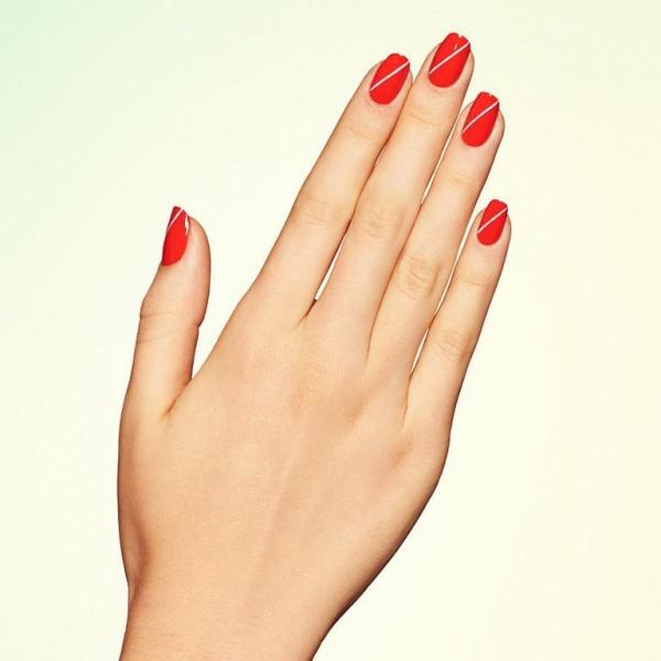 22 mẫu nail đỏ 'vừa đẹp vừa sang' cho nàng tỏa sáng trong dịp Tết Mậu Tuất 2018 - Ảnh 10.