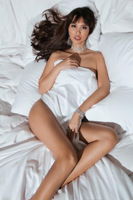 Bà bầu 5 tháng Hà Anh táo bạo khoe thân hình thon gọn với ảnh nude - Ảnh 1.