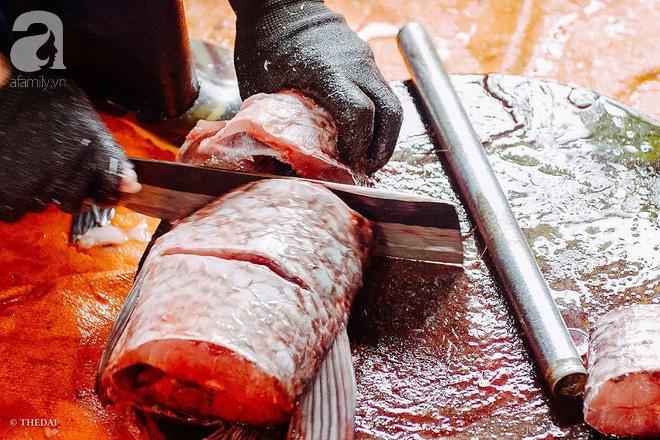 Làng cá kho Vũ Đại đỏ lửa ngày đêm cho kịp Tết, tiết lộ bí mật 10 loại gia vị, 15 giờ đợi chờ của đặc sản bạc triệu - Ảnh 5.