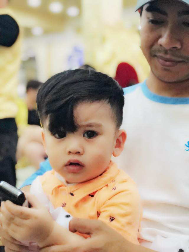Tranh thủ dịp cận Tết, 3 cậu nhóc con sao Việt này cũng được bố mẹ đưa đi làm tóc mới - Ảnh 9.