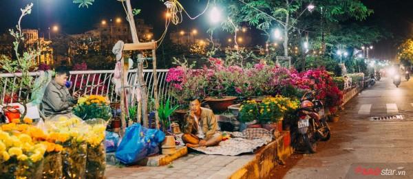 Co ro trắng đêm bán dịp Tết, người nông dân vẫn thấp thỏm vì tâm lý đợi đêm 30 mua hoa giờ chót - Ảnh 7.